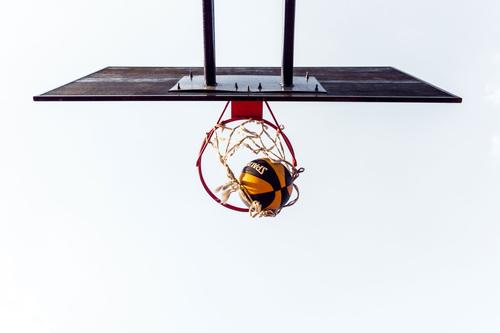 image of freelancer shooting a hoop