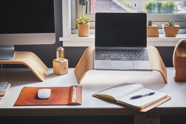 Photograph of a beautiful desk in a well-designed home office.