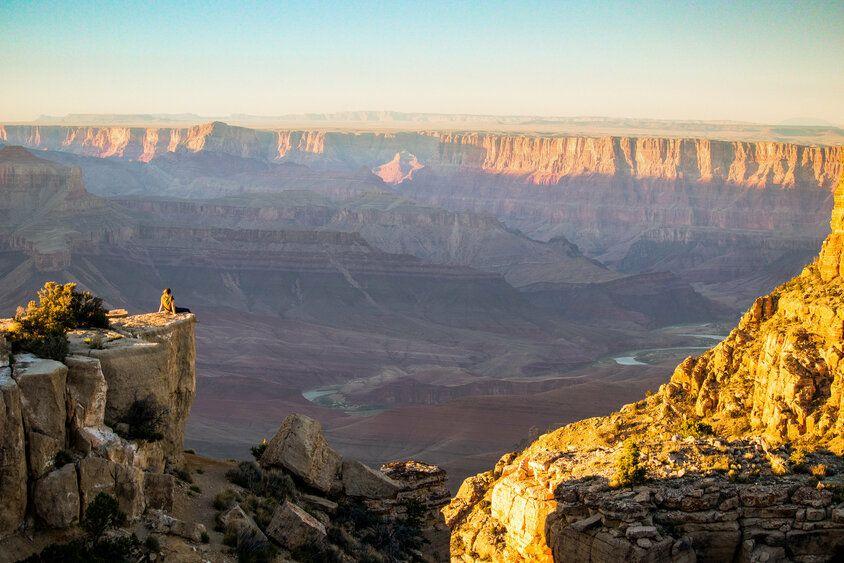 freelancing woman on grand canyon