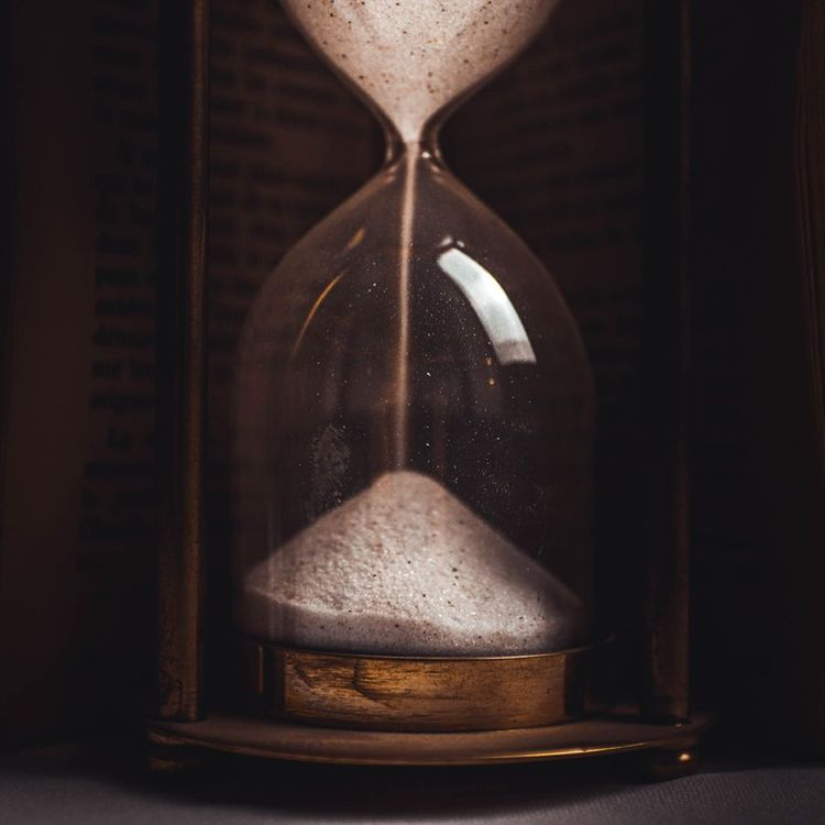 Time counting down representing the importance of time management as a freelancer