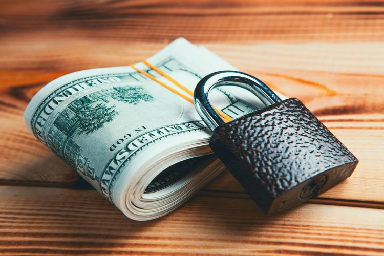 How To Successfully Deal With Common Cash Flow Problems in Freelance Life