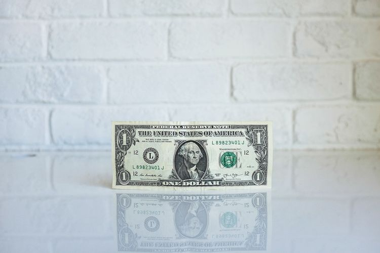 Project fee or hourly rate - what should a freelancer choose?