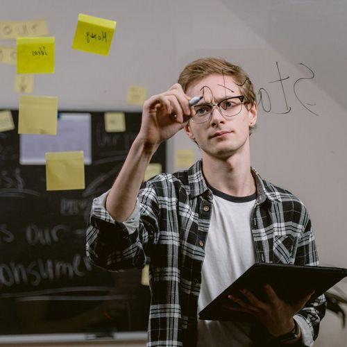 freelancer managing project tasks